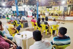 Produtores rurais de vários municípios participaram do leilão de gado em Itupiranga (PA)