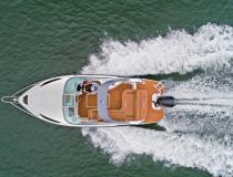 Triton Yachts apresenta nova versão para lancha de 25 pés
