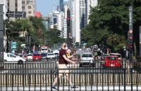 Brasil registra 130 mortes por covid-19 e 5,7 mil casos em 24 horas