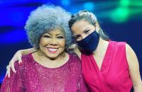 Leader Magazine traz Alcione e Jana Moraes para campanha de Natal