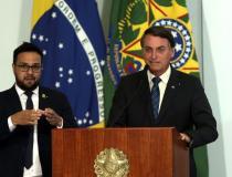 Bolsonaro anuncia revogação de decreto para concessão das UBS
