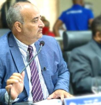 """Vereador critica """"valor abusivo"""" cobrado por iluminação pública em Araguaína; Empresa arrecada R$ 1,15 milhão e só gasta R$ 582 mil"""