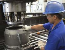 Indústria brasileira cresce 0,4% de dezembro para janeiro