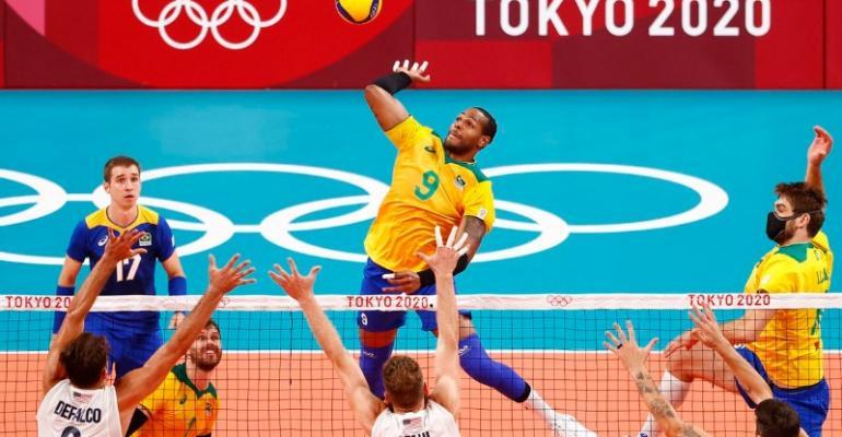 Brasil bate EUA e se recupera no vôlei masculino