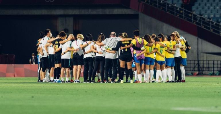Seleção feminina perde para Canadá nos penaltis e dá adeus a Tóquio
