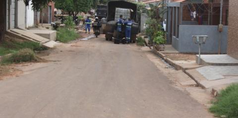 Frente de recomposição asfáltica chega ao bairro Ouro Verde