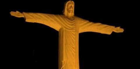 Cristo de Araguaína tem iluminação especial no Dia Internacional da Não-Violência Contra a Mulher