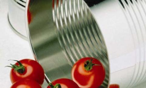 Tomate enlatado pode ser uma boa opção de economia em tempos de crise