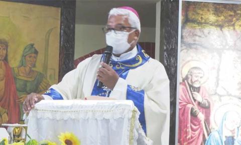 """""""Reforça a experiência do encontro de famílias e de reavivar esta Igreja"""", diz Dom Giovane sobre Círio de Montes Altos"""