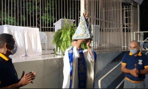 Imagem peregrina de N. Senhora de Nazaré visita paróquia de Santa Teresa D´Ávila