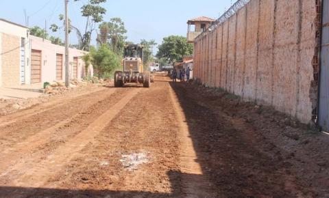Prefeiturainicia terraplenagem para asfaltamento da Rua Cecília Meireles