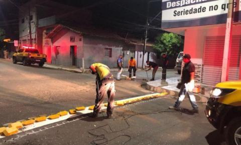 Prefeituraimplanta nova sinalização viária na Rua Luís Domingues