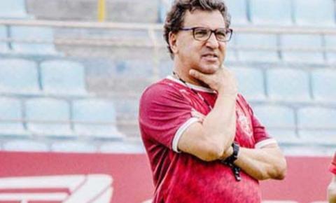 """""""Torcida tem todo direito de  protestar"""", diz Estevam Soares"""