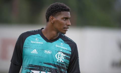 Hugo Souza, do Flamengo, é eleito o Cara da Rodada em sua estreia no Brasileirão Assaí