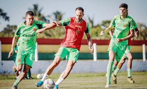 Sampaio fecha preparação em São Luís e embarca para pegar o Cruzeiro
