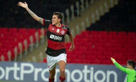 Flamengo vence Goiás e assume vice-liderança do Brasileiro