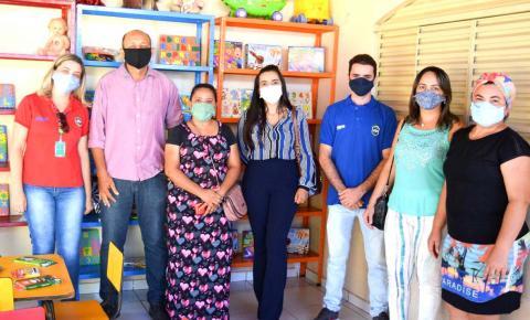 Casa de Acolhimento em João Lisboa recebe doação de materiais infantis