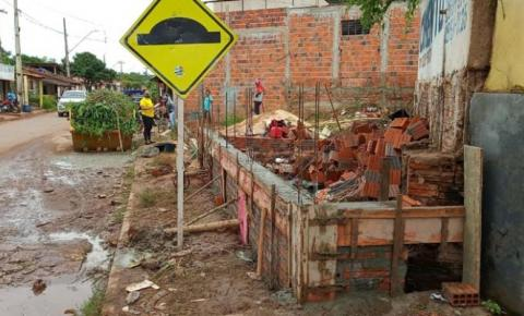 Seplu embarga obra irregular no Conjunto Vitória