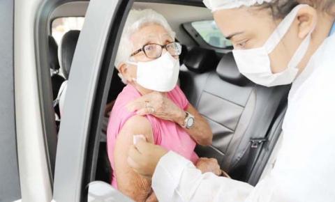 Araguaína faz imunização de 1.250 idosos acima de 80 anos em vacinação drive-thru