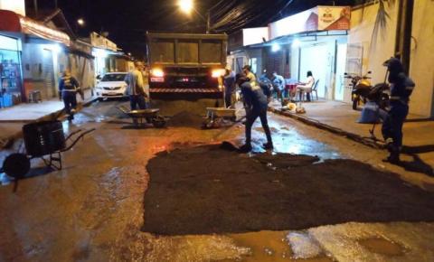 Equipes de tapa-buracos trabalham durante período noturno nos bairros de Imperatriz