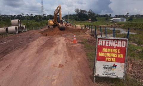 Em Amarante, Governo realiza serviço emergencial na MA-122 e recupera trecho com erosão