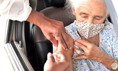 Prefeitura inicia vacinação contra covid-19 em idosos acima de 75 anos a partir de hoje