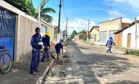 Operação limpeza avança nos bairros de Ribamar Fiquene