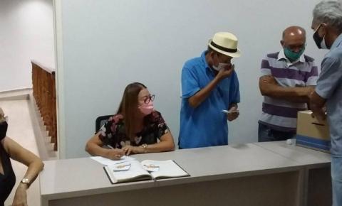 Acadêmicos elegem substituto de Magno Urbano