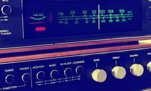 Prazo para rádios AM solicitarem migração para FM termina dia 8 deste mês