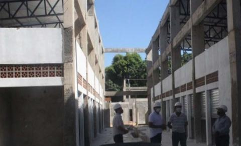 Prefeito Assis Ramos vistoria obra de construção do Shopping da Cidade