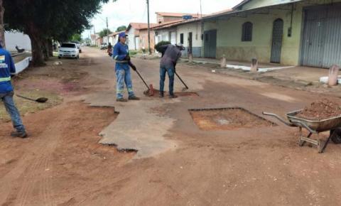 Operação tapa-buracos chega na grande Vila Nova