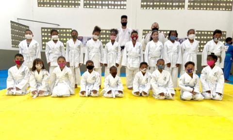 Projeto social: Judocas do Fórum Jaracaty recebem novos quimonos