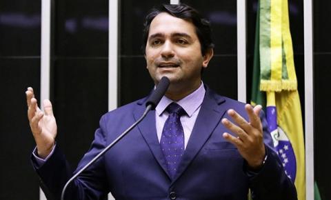 Acusado de ser 'braço político' do crime organizado, deputado Júnior Lourenço se diz à disposição para esclarecimentos