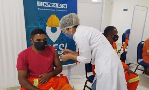 FIEMA/SESI e Governo do Estado iniciam vacinação de trabalhadores da indústria e inauguram posto de vacinação em Imperatriz