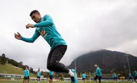 Após folga, seleção treina para enfrentar Colômbia