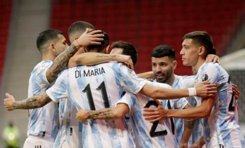 Argentina derrota Paraguai e assume ponta do Grupo A