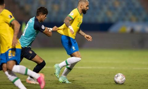 Com time alternativo, Brasil empata com Equador
