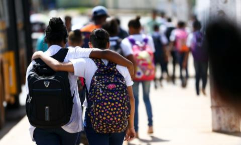 Educação Lei que garante distribuição de absorventes a alunas é aprovada em SP