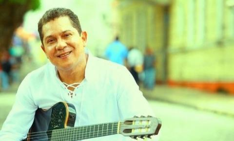 """Erasmo Dibell, """"camaleonicamente"""",  canta hoje na Galeria Neném Bragança"""