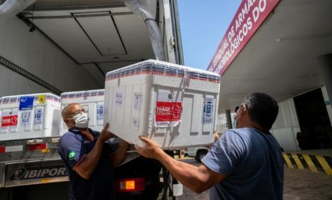 Governo distribui nova remessa de vacinas contra aos municípios