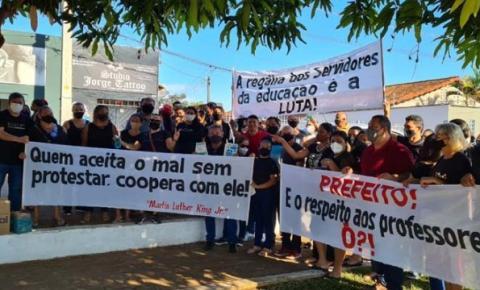 Servidores da Educação de Estreito fazem protesto hoje