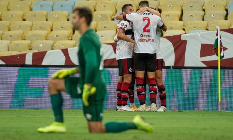 Flamengo vence e entra de vez na briga pela liderança do Brasileirão Série A