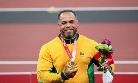 Perseguindo, e não encontrando, o 100º ouro paralímpico do Brasil