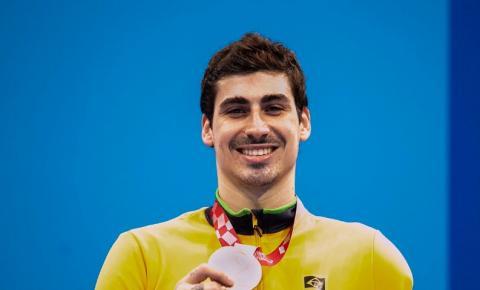Talisson Glock fatura bronze na natação nos 100m livre
