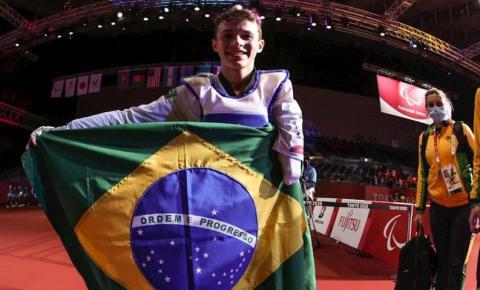 Nathan Torquato é 1ºcampeão de parataekwondo da história