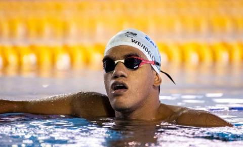Wendell Berlamino arranca no final e garante bronze nos 100m borboleta